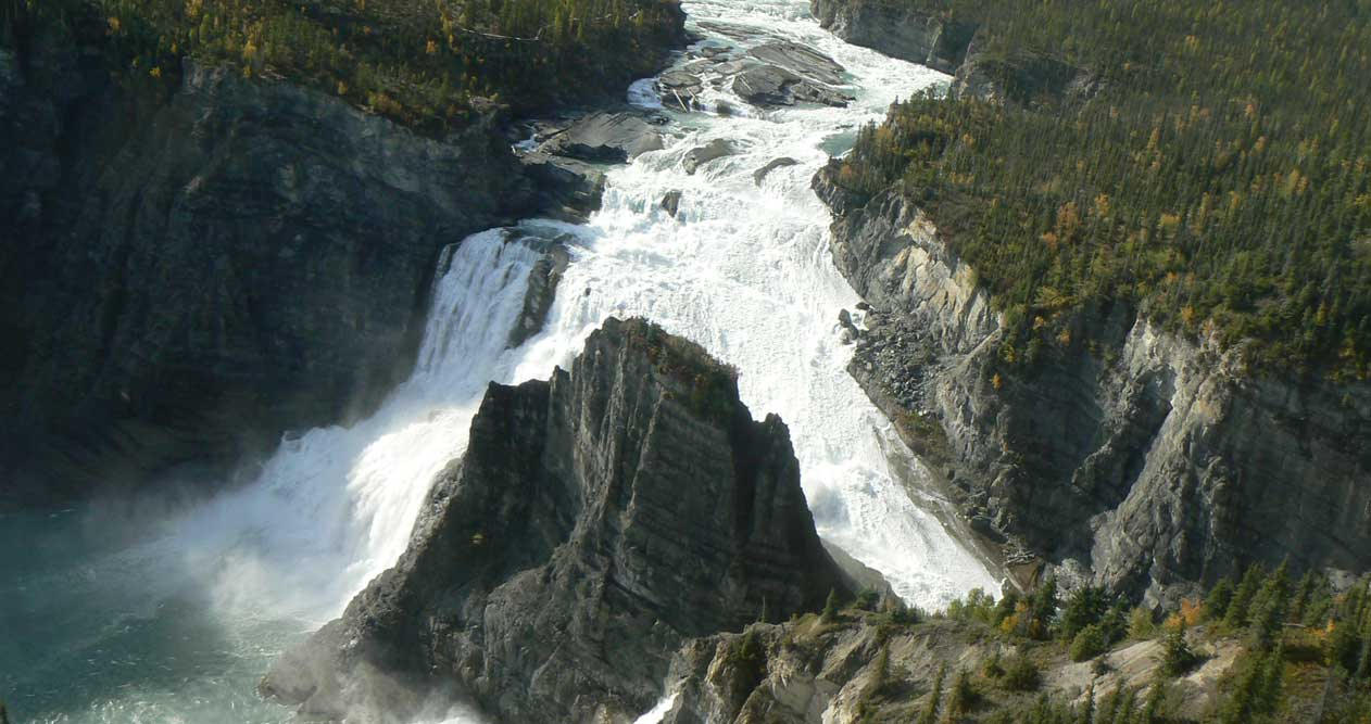code promo d331e e361c Alpine Aviation - Nahanni Trips (Day & Overnight)